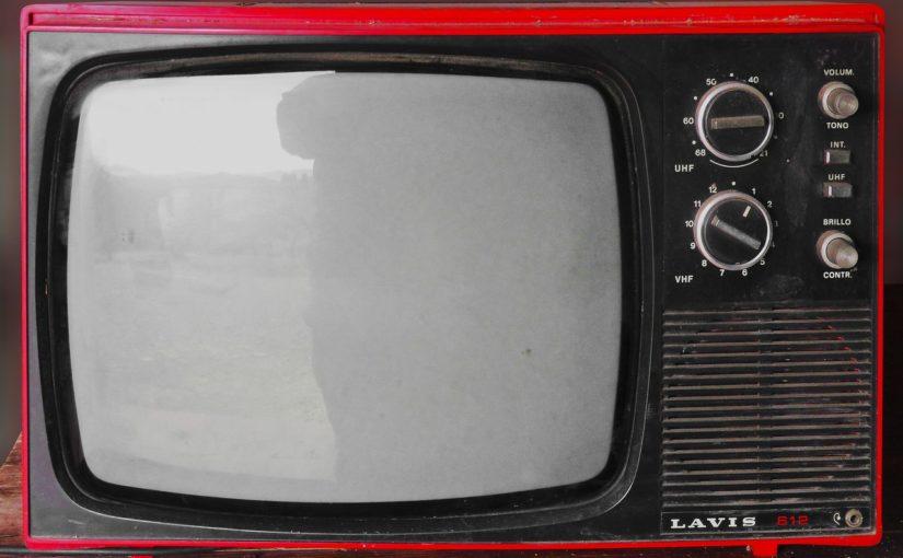 Rodzinny odsapnięcie przed tv, lub niedzielne filmowe popołudnie, umila nam czas wolny ,a także pozwala się zrelaksować.